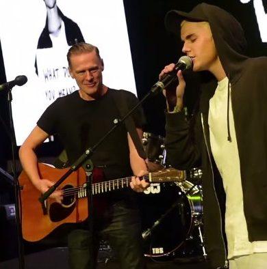 Bryan Adams hizo un dueto con Justin Bieber
