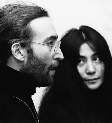 Yoko Ono habla sobre las tendencias bisexuales de John Lennon