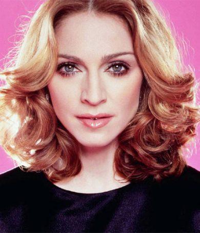 Madonna viaja con una maquina anti edad