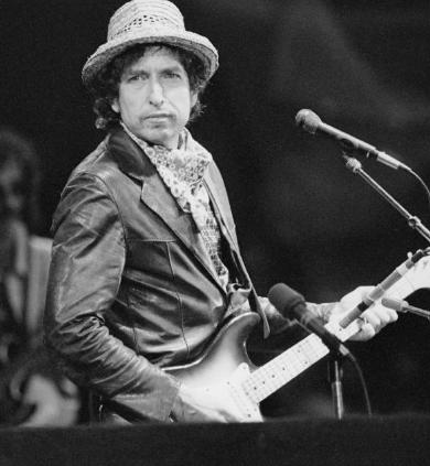 Bob Dylan se convierte en el primer músico en ganar el Premio Nobel de literatura