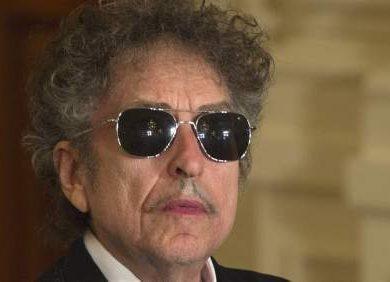 Bob Dylan: envió su discurso de aceptación a la Academia Sueca y podrá cobrar 820.000 euros del Nobel.