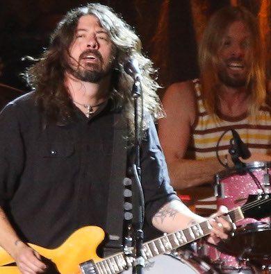 Foo Fighters: Dave Grohl molesto porque fans abandonaron el show antes de que termine.