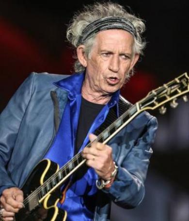 """Keith Richards dice que las drogas se han vuelto """"aburridas y flojas""""."""