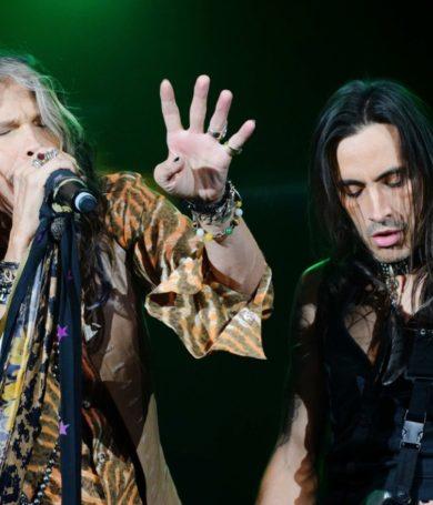 """Steven Tyler y Nuno Bettencourt cantan el clásico """"Brown Sugar"""" de The Rolling Stones"""