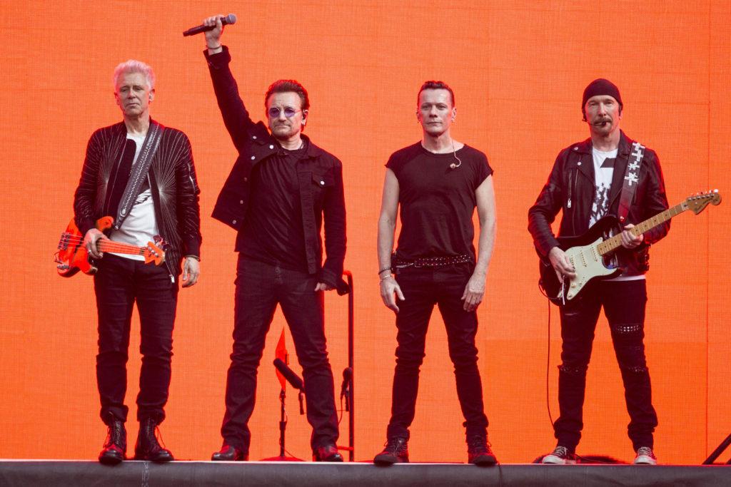 Bono puso suspenso a la continuidad de U2