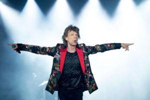 Efeméride: Mick Jagger, nombrado caballero del Imperio Británico.