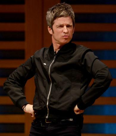 """Noel Gallagher: """"A Liam nunca le importaron los fanáticos de Oasis"""""""