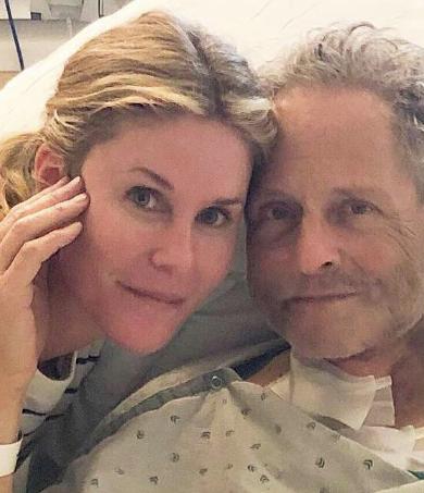 Lindsey Buckingham fue sometido a una operación a corazón abierto de emergencia