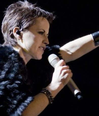"The Cranberries presntó ""In The End"" con voz de Dolores O'Riordan"