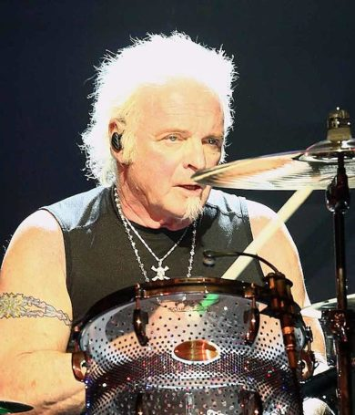 Aerosmith con reemplazo temporal en batería