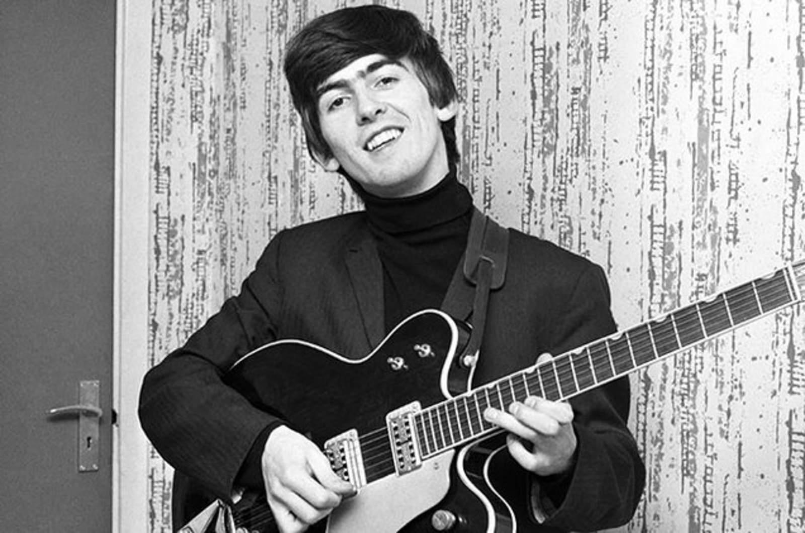 Subastarán guitarra usada por George Harrison en 1959