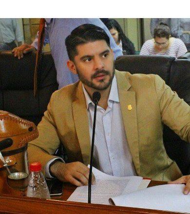 MUV y UBER formarán parte de servicios de transporte de Asunción, garantiza presidente de Junta