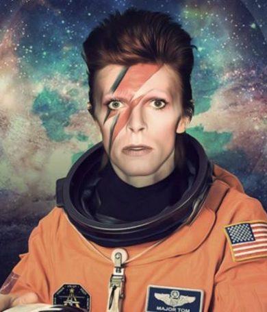 """David Bowie: Nuevo vídeo de """"Space Oditty"""", conquistando la luna."""