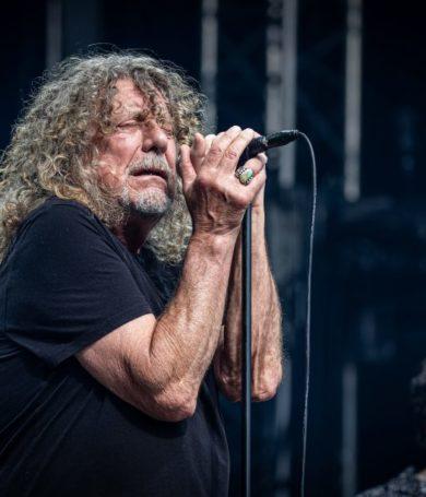 """Robert Plant volvió a interpretar el clásico hit de Led Zeppelin, """"Inmigrant Song"""", por primera vez en 23 años"""