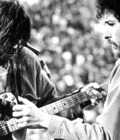 Bob Dylan y Neil Young juntos en un escenario luego de 25 años