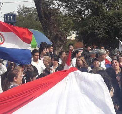 COMPARTIR COMPARTIR TWEET +1 COMPARTIR Funcionarios de Clínicas extienden su marcha hasta el Ministerio de Hacienda