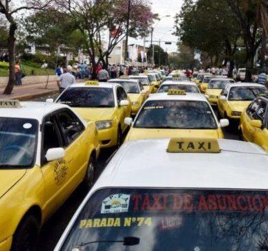 Taxistas inician masiva movilización en Asunción