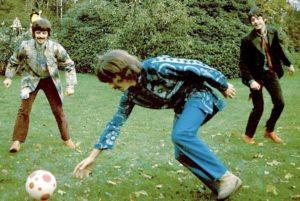 """Mirá el nuevo Mural de """"The Beatles"""" fue inaugurado en Merseyside, donde jugaban regularmente fútbol"""