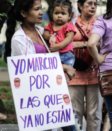 #25N: Mujeres marchan hoy en reclamo de una sociedad justa y políticas de protección