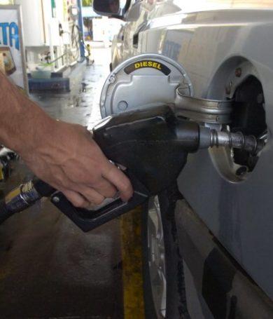 Tributación e importadores de combustibles acuerdan prórroga para implementación de Decreto