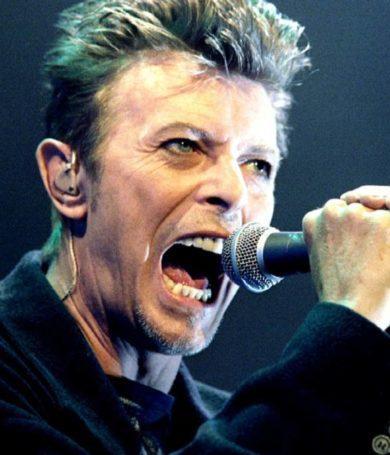 David Bowie: Se anuncia el lanzamiento de 'ChangesNowBowie'  y el raro EP 'Is It Any Wonder?'