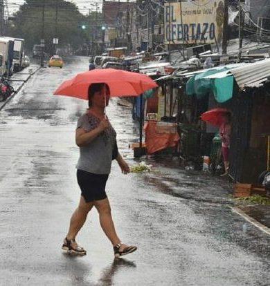 Lunes caluroso y lluvioso, anuncia Meteorología