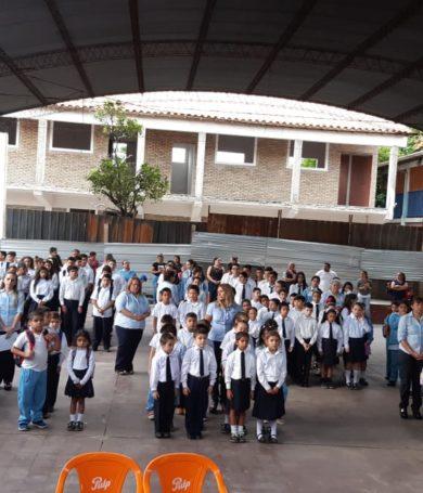 En medio de precariedades, hoy inician clases más de 1.500.000 alumnos