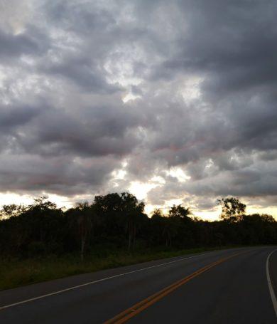 Jueves caluroso y con posibles lluvias, prevé Meteorología