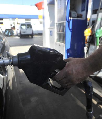 """Empresarios de combustibles ven """"apertura"""" de Gobierno tras prórroga para entrada en vigencia de ISC a naftas"""