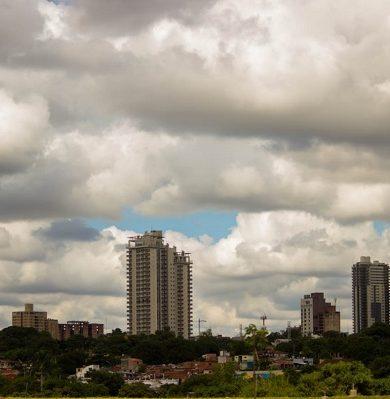Jueves caluroso e inestable, prevé Meteorología
