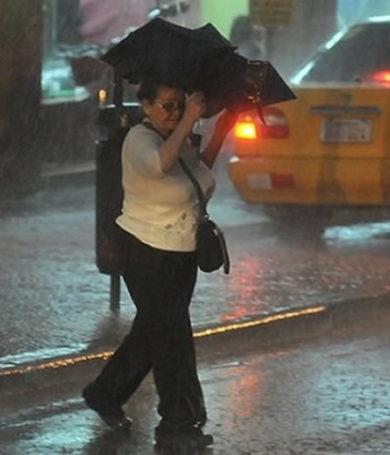 Miércoles con lluvias y tormentas, anuncia Meteorología