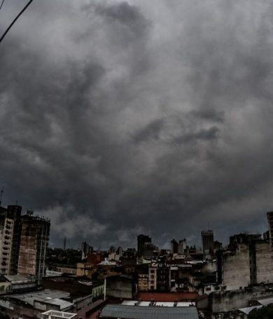 Viernes lluvioso y con tormentas, anuncia Meteorología