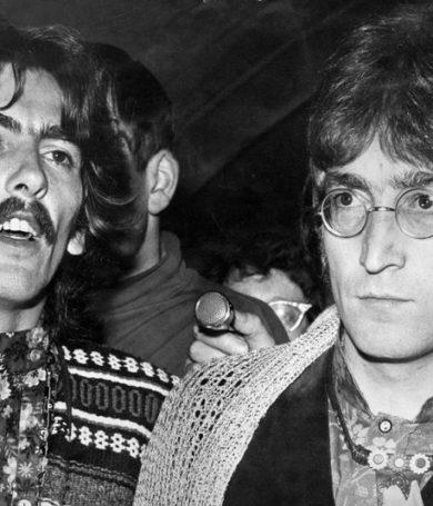 Valúan una guitarra que perteneció a John Lennon y a George Harrison en £400,000