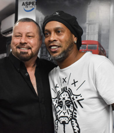 Escucha la entrevista con Ronaldinho en Horario Central