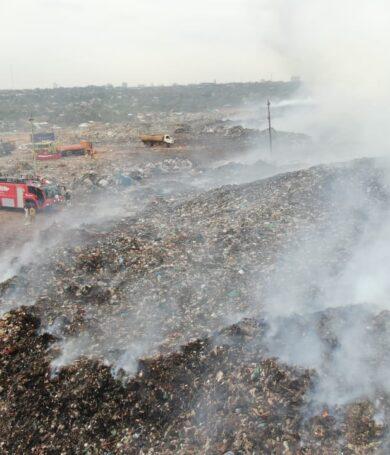 Contaminación, desesperación y huidas en medio del humo y fuego de Cateura