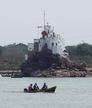 Río Paraguay sigue rompiendo récord de bajada