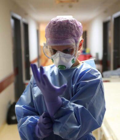 Gremio solicita que médicos fallecidos por COVID-19 sean declarados como héroes nacionales
