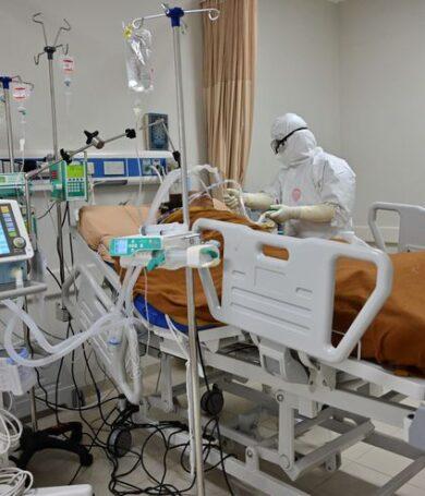 Pacientes tardan en consultar cuando se complican sus casos y copan UTI de Clínica