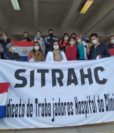 Funcionarios de Clínicas anuncian huelga