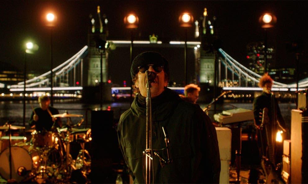 Así fue la noche en el Támesis con Liam Gallagher.