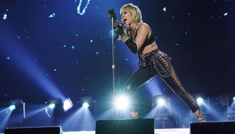 Miley Cyrus, la nueva diva de los viejos rockeros