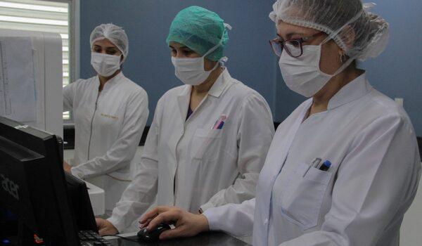 Enfermeros piden estar entre los primeros en ser vacunados contra COVID-19