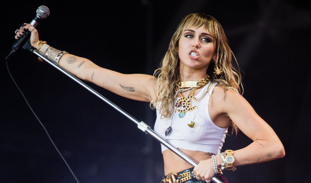 Miley Cyrus confirma su participación en el Super Bowl 2021