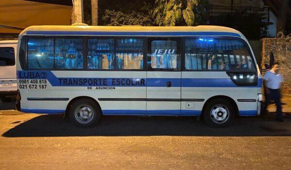 Promulgan Ley que permite el uso de buses del transporte escolar y otros como transporte público alternativo