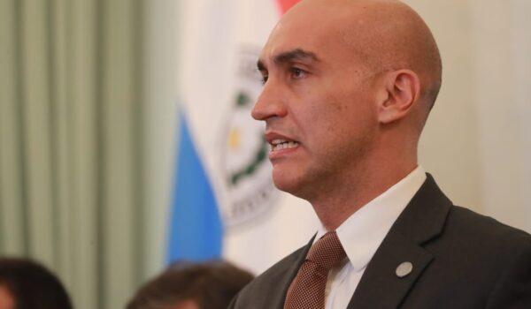 Julio Mazzoleni renunció como ministro de Salud