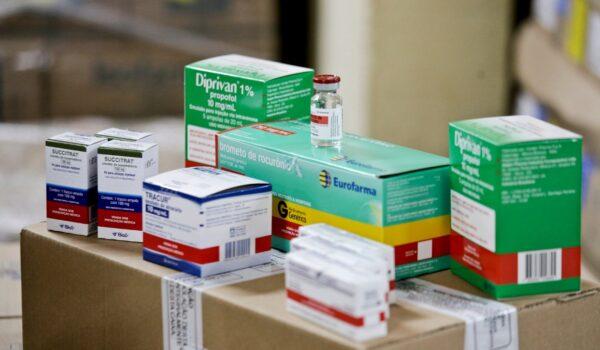 Salud anuncia reparto mínimo urgente de medicamentos