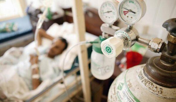 """Casi 40 pacientes dependientes de oxígeno en hospital de Villa Elisa """"están en zozobra"""" por problemas de suministro"""