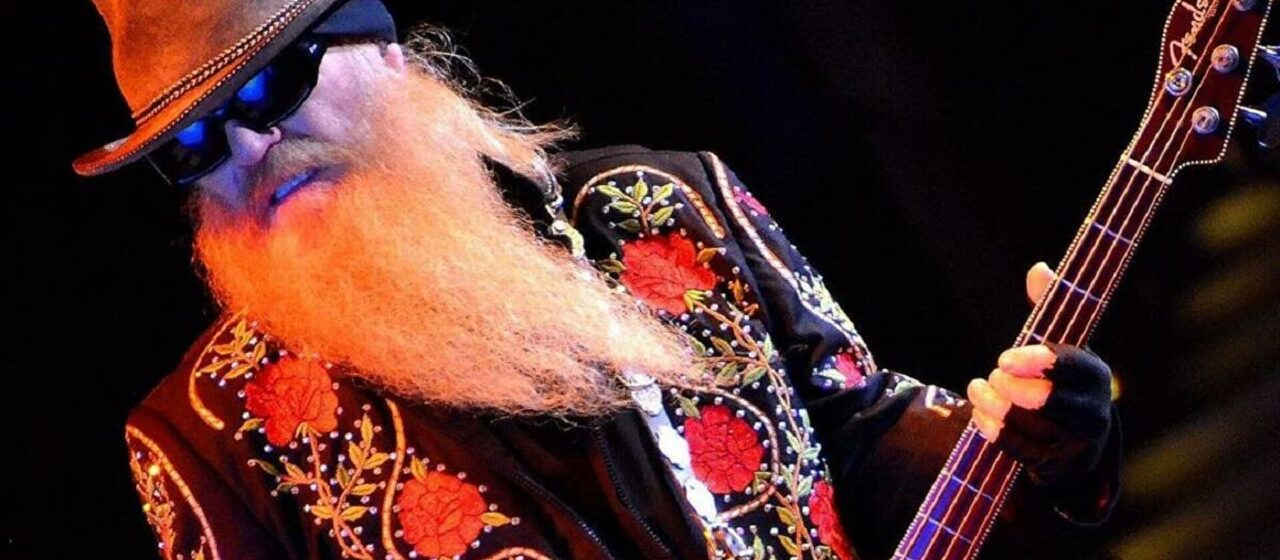 Muere Dusty Hill, bajista de la banda ZZ Top, a los 72 años de edad