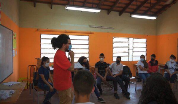 MINNA enseña sobre derechos y responsabilidades a adolescentes